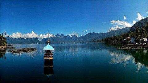 Danau Maninjau : Danau indah di Kota Padang. Cek paketnya dengan cara Klik Gambarnya !