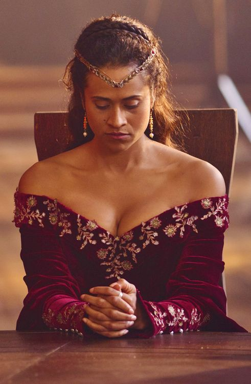 Angel Coulby as Guinevere in Merlin. The detail work is beautiful!