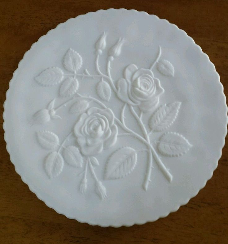 MILK GLASS RAISED Open ROSES Footed CAKE PLATE & 83 best Cake Plates u0026 Domes images on Pinterest | Cake carrier Cake ...