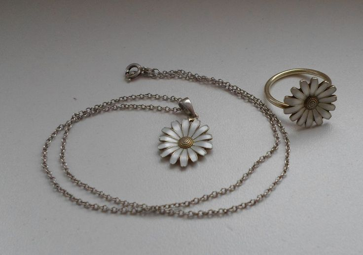 Norwegian Arne Nordlie AMORIN Sterling Set White Enamel Daisy Ring & Necklace  #ArneNordlie