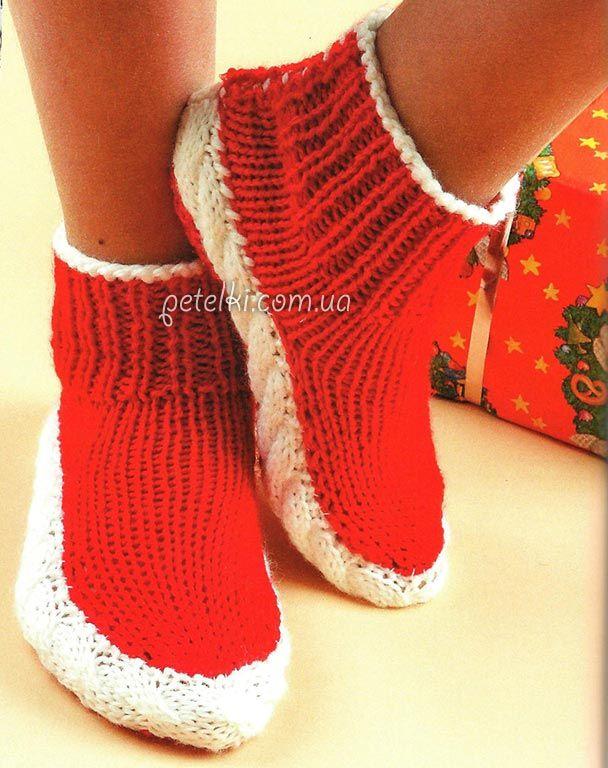 Красные носочки с белыми косичками. Как вязать