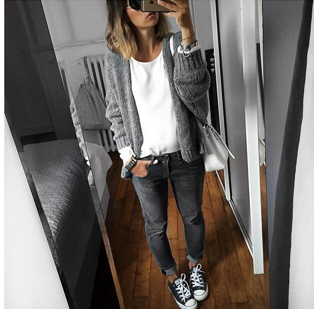 grey jeans and cardigan, white t-shirt and sneakers || Audrey Lombard