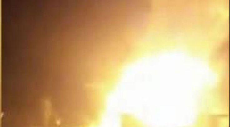 """Esenyurt 'ta bir binanın çatı katında büyük yangın çıktı  """"Esenyurt 'ta bir binanın çatı katında büyük yangın çıktı"""" http://fmedya.com/esenyurt-ta-bir-binanin-cati-katinda-buyuk-yangin-cikti-h55572.html"""