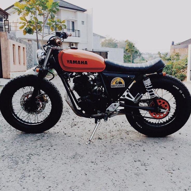 """9,199 mentions J'aime, 64 commentaires - Cafe Racer Porn (@caferacerporn) sur Instagram: """"#Yamaha #scorpio225 from @thrx07 . ---------------------- Tag #caferacerporn @caferacerporn or…"""""""