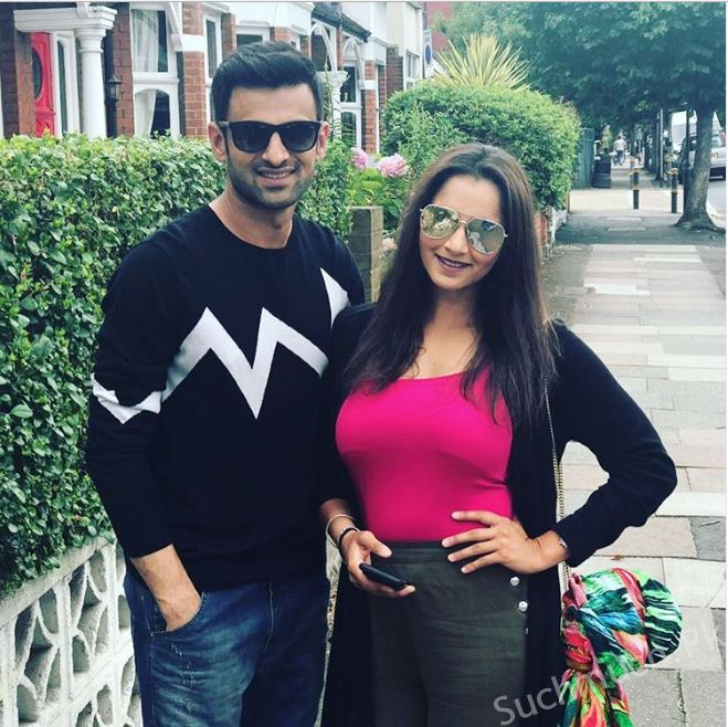 Shoaib And Sania Lately Spotted In London, pakistani celebrities, sania mirza, shoaib malik, famous sania mirza, cricketer shoaib malik