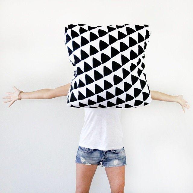 Jennifer + Smith Cushion Selfies   Triangle Print Outdoor Cushion www.jenniferandsmith.com