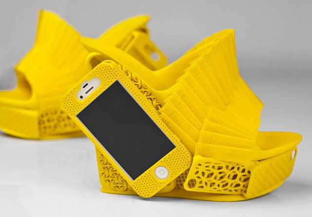 Our Prayers Have Been Answered: 3-D Printed Lady Shoes With Attached iPhone Holster