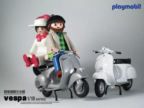Playmobil (en barnia todos tienen Vespa)