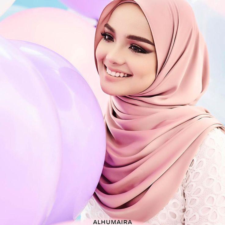 "531 Likes, 24 Comments - Malaysia's Best Hijab Brand (@alhumairacontemporary) on Instagram: ""Masih ingatkah anda dengan Noele Premium Shawl dari Alhumaira? Noele Premium Shawl ini pernah…"""