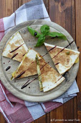 Quesadilla und Ananas-Lachs-Spieße vom Grill