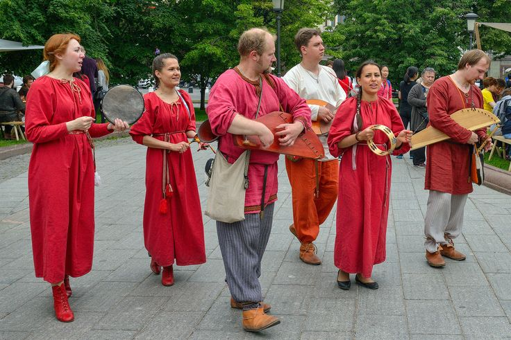 музыканты на фестивале Наш продукт, 1000 мечей