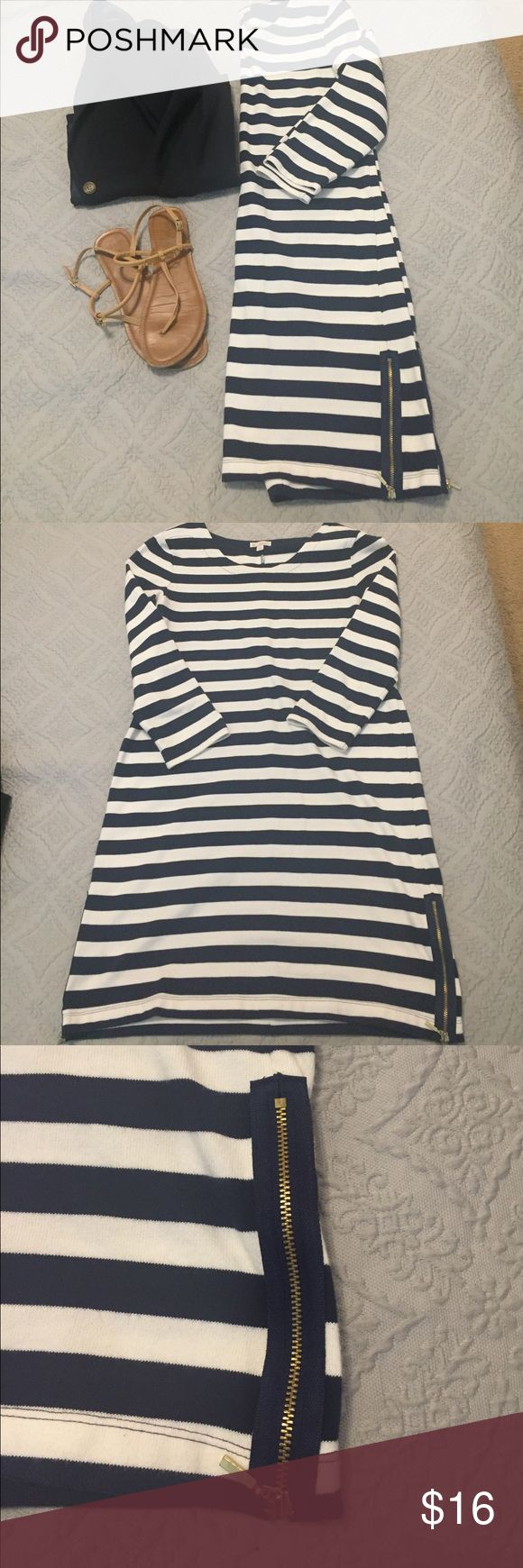 Nautical striped Gap dress! Navy and white striped dress from Gap! 3/4 length sleeves, with zipper on the sides at the bottom. Material holds its shape well! GAP Dresses