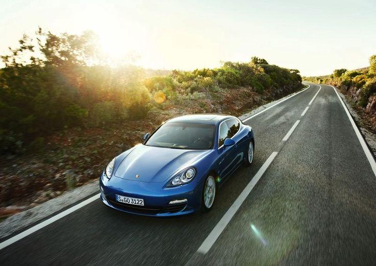 Top 5 Luxurious Eco Friendly Cars: 2012 Porsche Panamera S Hybrid
