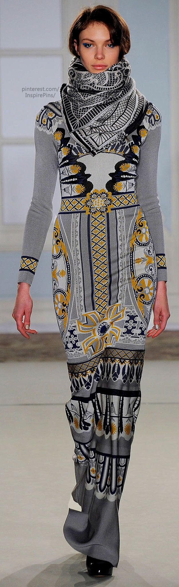 Amazing print. Fall 2014 Ready-to-Wear Temperley London.  I kind of love it, but I think guys wouldn't get it.