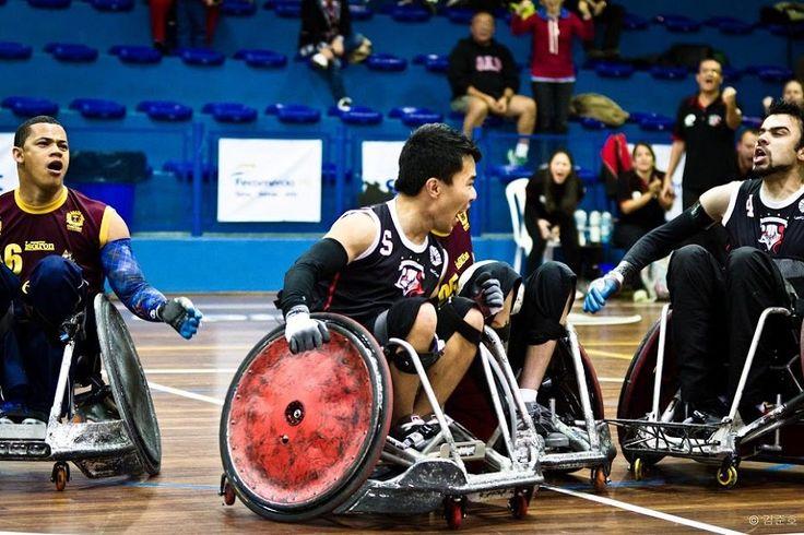 """Com a missão de discutir a participação das pessoas com deficiências no mundo dos esportes, o seminário """"Inclusão na Educação Física e Esportes"""" leva uma programação especial ao Sesc Pompeia."""
