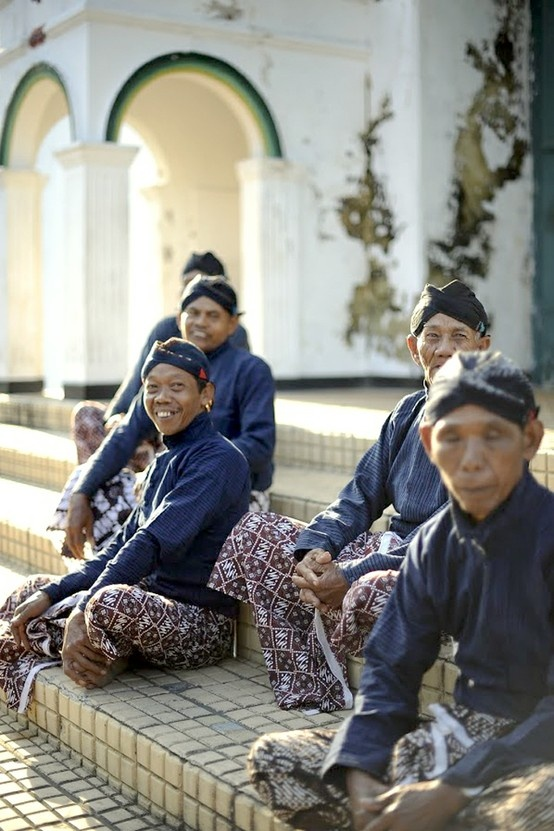 Javanese. Abdi dalem from ngayogyakarto - serving Sultan & family. Java, Indonesia.