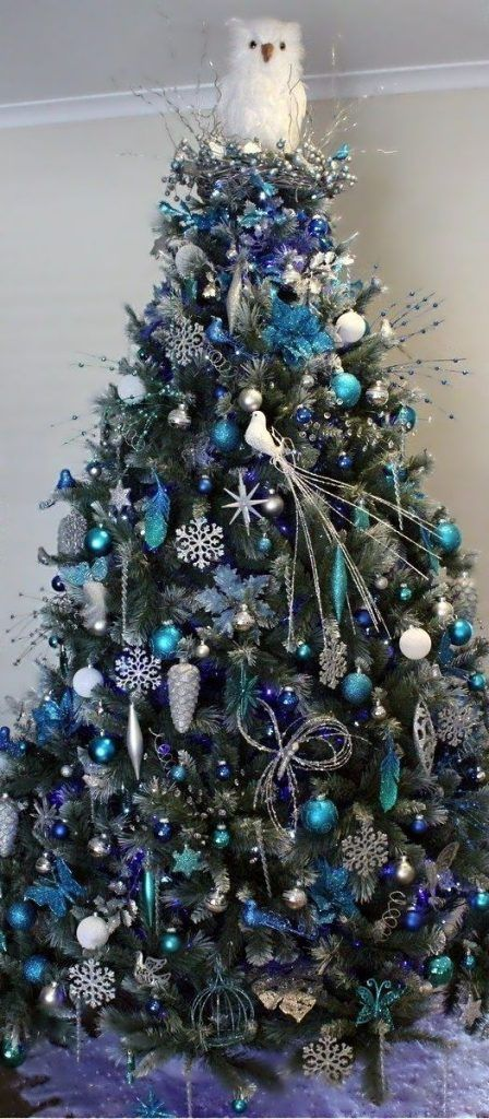 Until now, we've seen green, white or pink Christmas trees decked with ornaments of various colors like gold, silver, metal and even red. But how often have you seen a blue Christmas tree? Very rarely, right? That's because people rarely venture into this field. Blue is quite an unconventional...