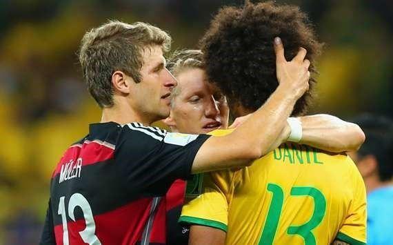 Jugadores alemanes mandan mensajes a pueblo de Brasil