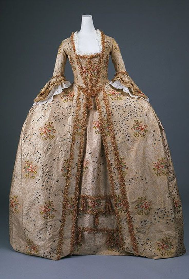 платье рококо картинки
