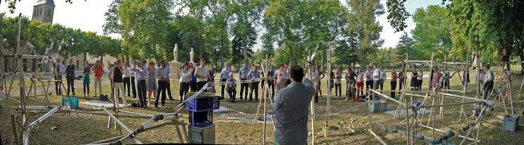 Un record vient de tomber pour notre team building « pipeline » ! Les responsables RH monde de ce laboratoire pharmaceutique ont assemblé : 248 m de bois, 136 m de tube, 488 pièces de jonction en moins de deux heures. Un véritable exploit d'équipe animé en Anglais. #teambuilding #cohesion #equipe #ensemble #animation #pipeline