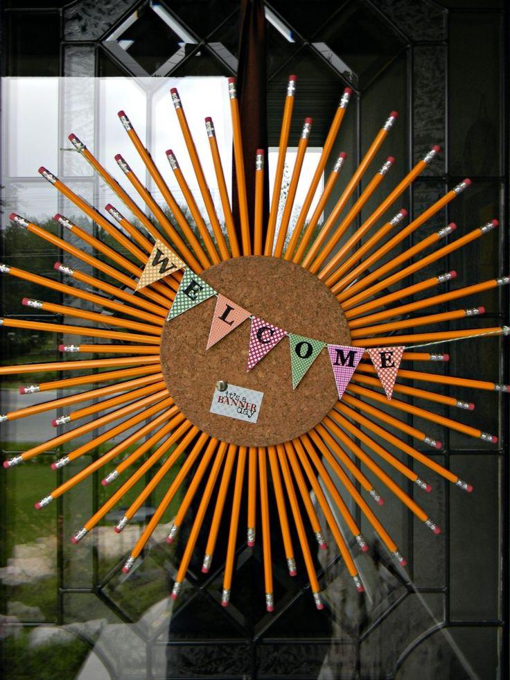 teachers gifts!!!: Pencil Wreaths, Classroom, Teacher Gifts, Back To Schools, Schools Ideas, Schools Wreaths, Fall Wreaths, Corks Wreaths, Backtoschool
