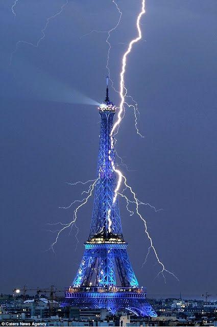 : Pictures Lov, Amazing Photo, Eiffel Towers, Paris France, Outdoor, Strike Paris, Lightning Storms