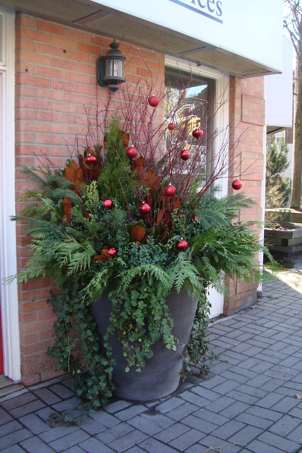 Christmas on the porch or patio.........
