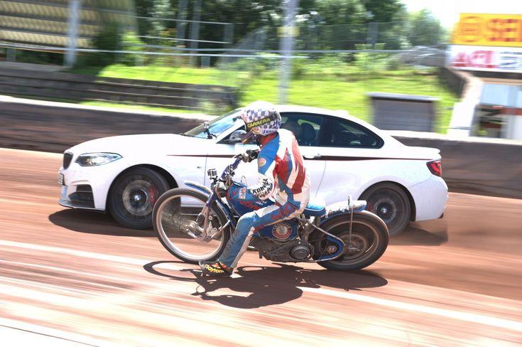 Can A BMW M235i Drifti For 5 Hours? - http://www.bmwblog.com/2014/09/18/can-bmw-m235i-drifti-5-hours/