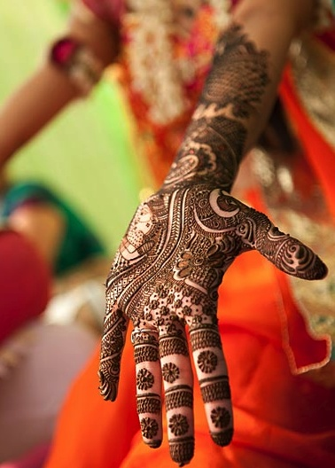 beautiful Mehendi for karwachauth