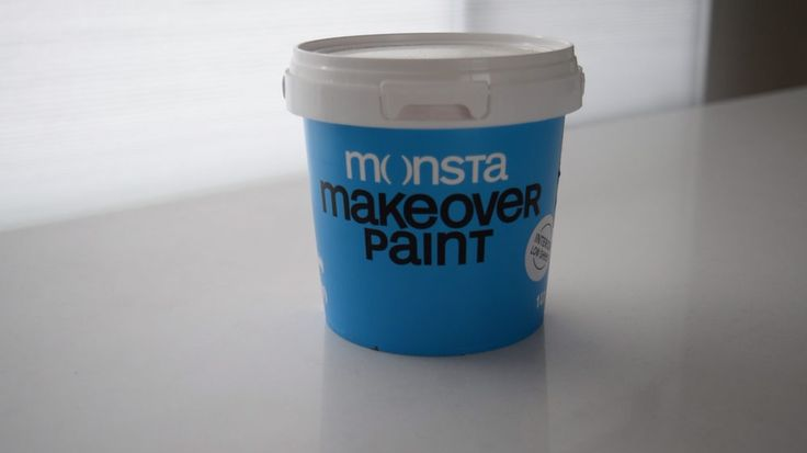 Always start painting by using a prep coat or undercoat. This one by @monstadiy is a three in one primer, sealer and undercoat. I love that it's low odour and applies easily.
