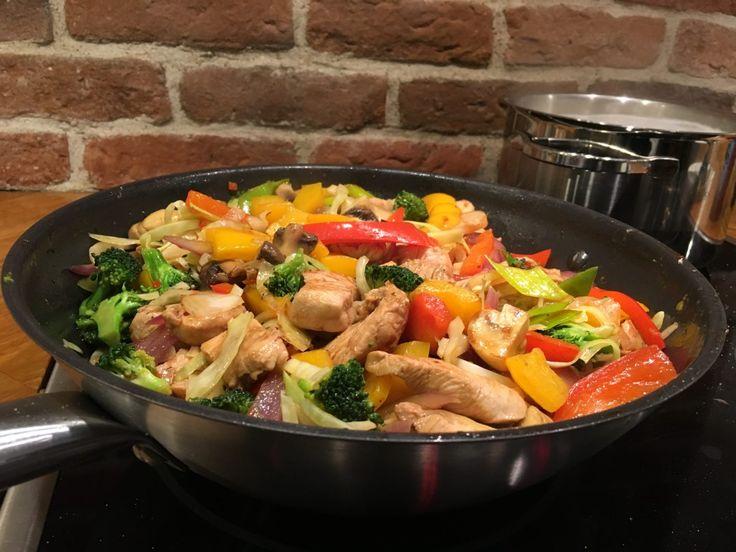 ShareWokad kyckling med svamp och grönsaker är en rätt som hela familjen tycker om. Den är enkel att laga och alla kan vara med och hjälpa till. Att låta barnen vara med och hacka grönsaker, [visa mer...]