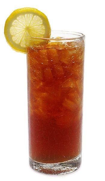 gezonde Ice Tea:  1 liter thee of kruidenthee 1 eetlepel (appel)azijn of citroensap 1-3 eetlepels honing 0,5 theelepel grijs zeezout  Zet de thee zoals je gewend bent. Los de honing, azijn en zeezout erin op. Laat afkoelen en zet het dan in de koelkast - drinken met ijsblokjes.  Deze thee is niet alleen honderdmiljoen gezonder dan IceTea uit de winkel, maar vult naast vocht ook de noodzakelijke (want uitgezweette) mineralen aan. Dubbel zo lekker dus!