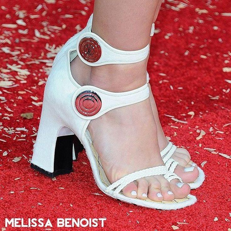 Melissa Benoist #melissabenoist #melissabenoistcfs #feet #feets #sexyfeet #prettyfeet #perfectfeet #instafeet #lovefeet #heels #highheels #heelsaddict #nails #toes #legs #leg #shoes #shoesaddict #shoeporn #loveshoes #instashoes #sexyshoes #fashionshoes #footfetishnation #talon #talons #pieds #nylon #nylons #celebrityfeet