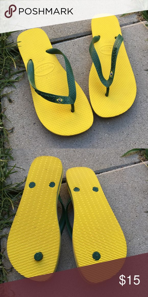 NWOT Brazil Havaianas flip flops Brand new never worn Havaianas! Super cute flip flops in Brazilian flag colors- yellow and green. Size 39-40 Havaianas Shoes Sandals