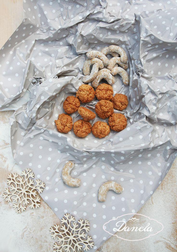 vianocne kokosky a vanilkove rozky www.danela.sk