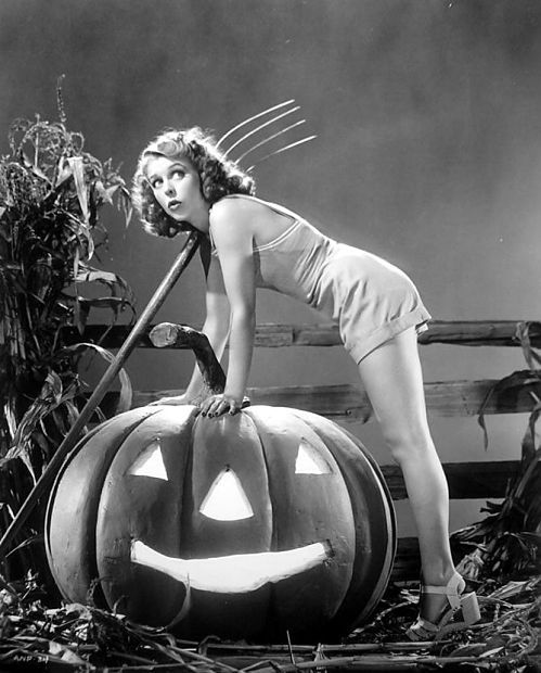 { Retro Halloween / Vintage halloween / Antique Halloween / Pin Up / Pin-Up / Cards / Illustration / Photo / Photography / Funny / Humor / pumpkin )