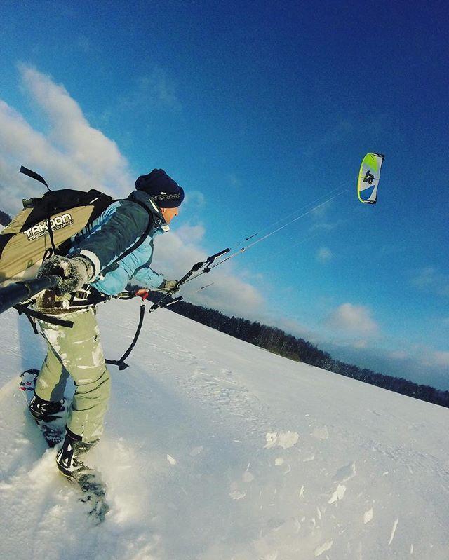 From oleg_makaninНовый день на споте !! Ветер 5-14 м/с , рванина ! Настроение на максимум ! Катаем на новом кайте takoon furia 2 , 13 метров ! #кайт #кайтсерфинг #сноуборд #сноукайтинг #сноукайтсерфинг #kite #kitesurfing #kiteboard #snowkiteboarding #snowkite #gopro #gopro4 #иваново37 #takoon #snowkiteboarding  #sport #жизньвкайф #cabrinha #rebel #north #fone #myparadise #music #show #serf #board #wind #crazy #crazyfly #впечатления…