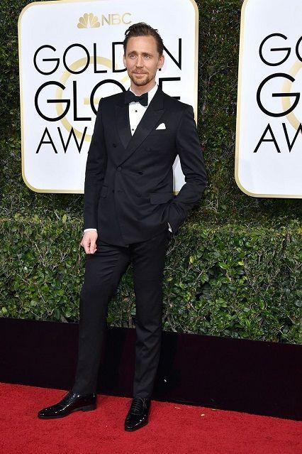 Tom Hiddleston ai Golden Globe Awards 2017http://www.theauburngirl.com/best-dressed-of-the-weeks-golden-globes/