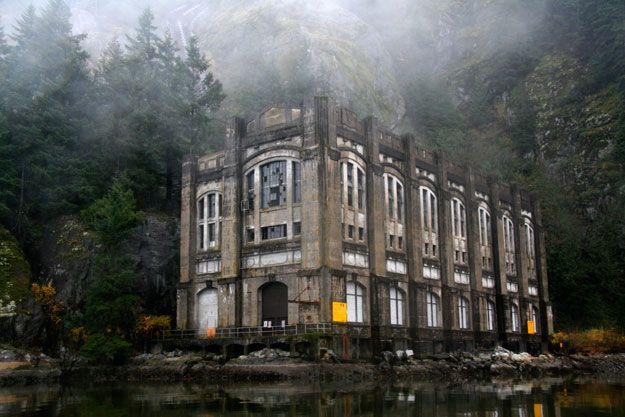 Vancouver Hiking Tours - Bunzen Lake Haunted Hikes