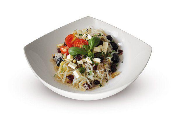 Smart Noodles s feta sýrem, brusinkami a černými olivami   Svět zdraví - Oficiální stránky