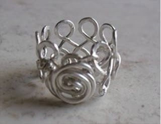 How to care for your wire jewelry. Storing & cleaning tips to prevent tarnish & dirt build up.