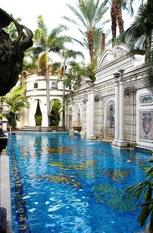 GIANNI VERSACE'S MIAMI HOME UP FOR SALE