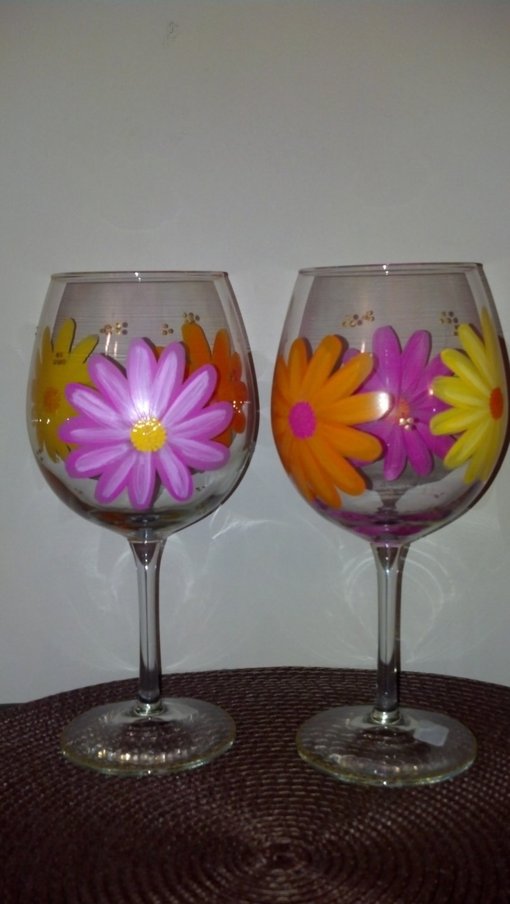 Daisy Painted Wine Glasses