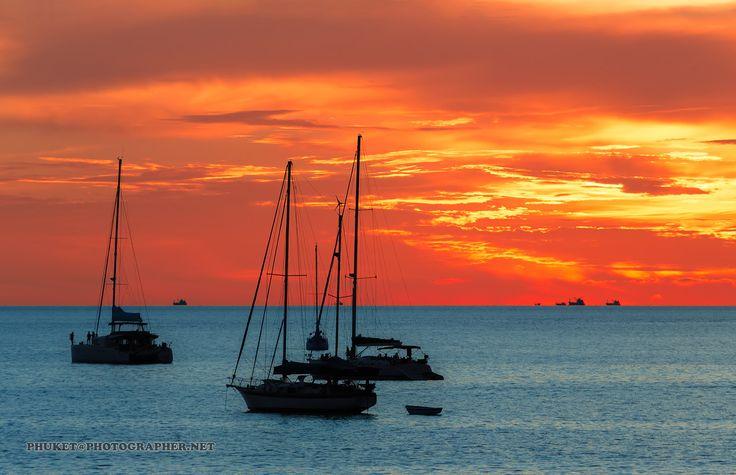 https://flic.kr/p/SjggSs | Sunsets at our yacht trip around Phuket island | Fishing, yacht, islands and sunsets at our fishing tour from Phuket to deep sea.   Больше фото и рассказов из моих путешествий по земле и на яхте на форуме forum.linvoyage.com