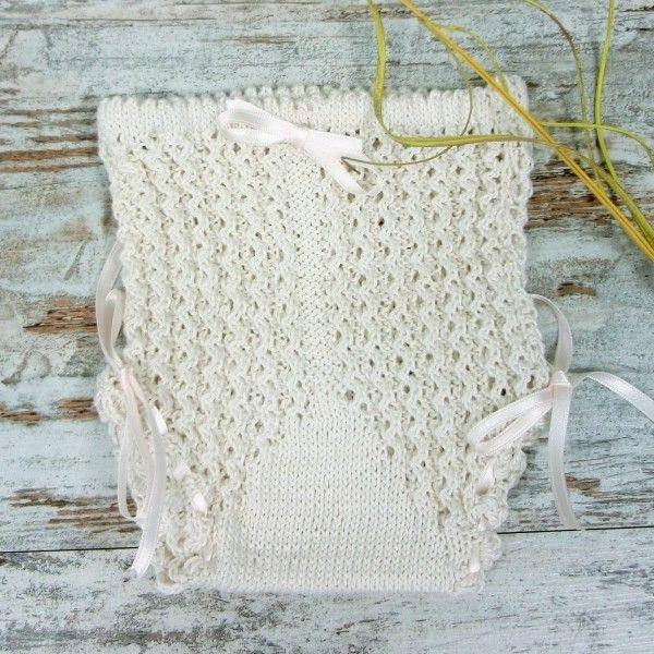 CUBRE PAÑAL BEBÉ EN CROCHET Adorable braguita cubrepañal para bebé hecho a mano a crochet en hilo fino y lazos a juego. Talla 3-9 mes