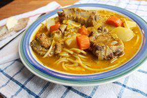 La soupe joumou est est un plat traditionnel de la cuisine haïtienne qu'on cuisine principalement le premier janvier pour souligner l'indépendance d'Haïti.