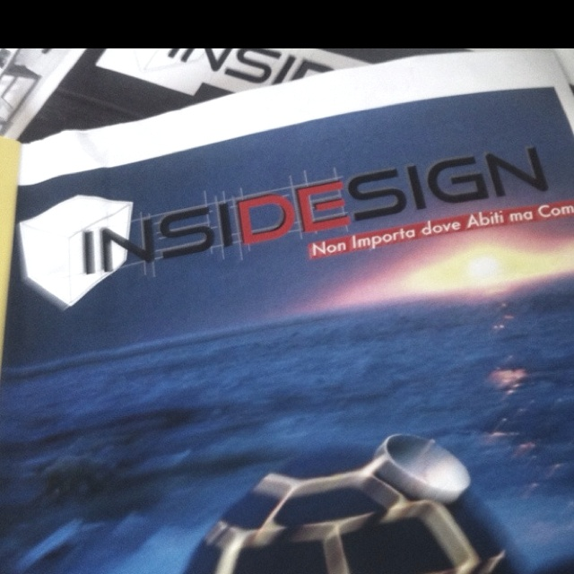 Insidesign - a free magazine about home & interior design. It's a flip magazine (double cover!)