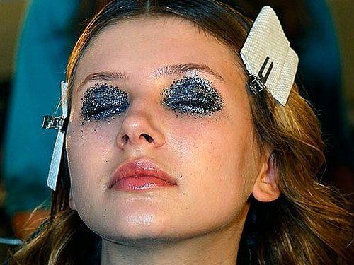 Crazy Glitter Eye Makeup