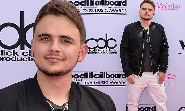 The son of the late Michael Jackson was at the awards show as one of the night's presenters.