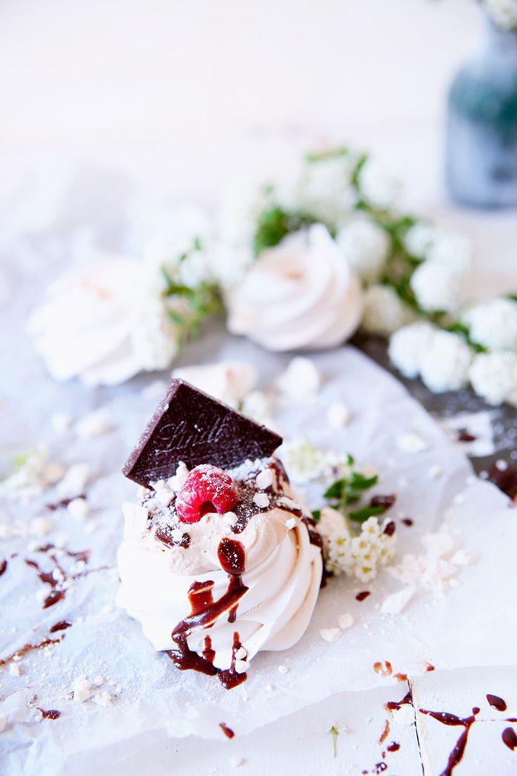 St[v]ory z kuchyne   Mini Pavlovas with Coffee Cream (Gluten Free/ Grain Free)